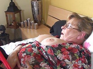 Соло секси бабки в чулках
