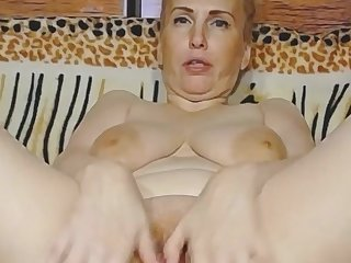 анал Vaginal And Oral Masturbation For Busty Mature