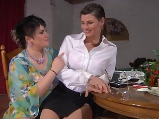 Stephanie and Gloria pussyloving mom in action