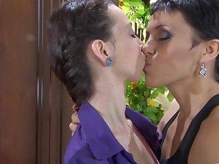 Viola and Molly lesbian mature action