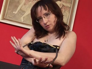 Horny hairy mature slut playing with herself