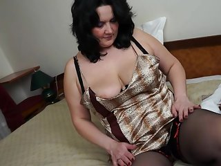 Chubby housewife loves to masturbate