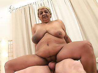 I Wanna Cum Inside Your Grandma No.06, Scene No.1