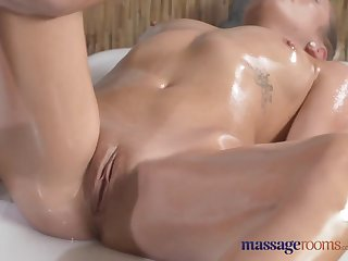 Massage Rooms Young blonde lesbians