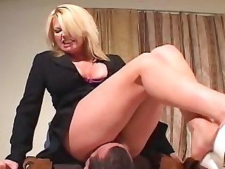 Dominant curvy girl loves facesitting him