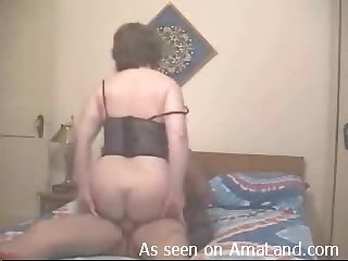 Mom in lingerie laid in her cunt