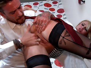 Sweet blonde Bonnie Rose fucks with boss