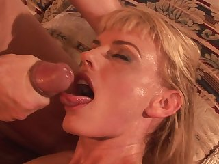 Blonde Darryl Hanah being fucked in her puss