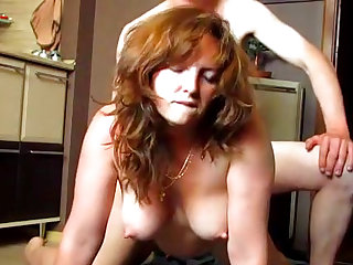 Amateur wife gets fucked on the kitchen's floor