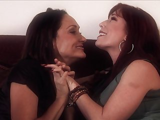 Michelle Lay fucks with hardcore Brittany OConnell