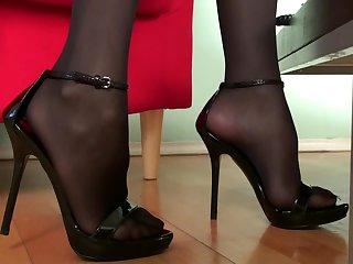 Смотреть секс онлайн на каблуках — 11