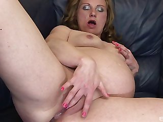 Cute pregnant milf fucked in her sexy shaved pussy