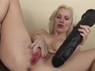 Milf blonde Brandi Edwards fucks with black toy