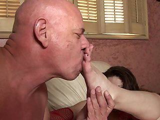 MILF is getting hard pole in her anal
