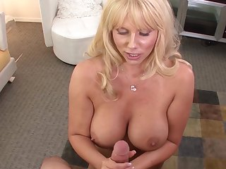 MILF Karen Fisher suck this dick like a pro
