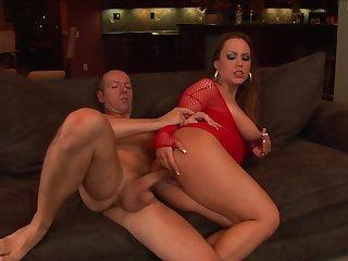 Milf Kaylee Love Cox being fucked in her wide throat