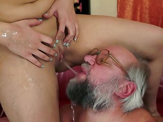 MILF Kitty Rich fuck with bearded grandpa
