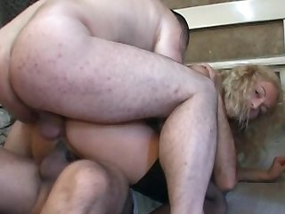 Irena is fucking in her wide asshole