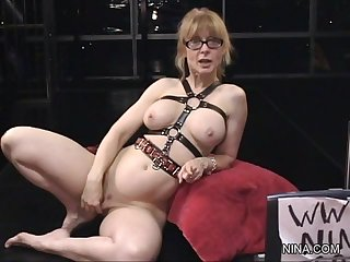 Spicy granny is licking this tasty anal hole