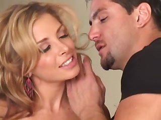 Xara Diaz gets a hot cumshot over her face