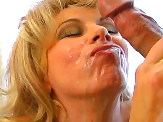 Milf blonde Zarina bangs in her pretty wide ass