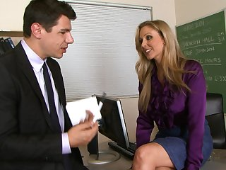 Milf with sexy smile Julia Ann is fucking in the classroom