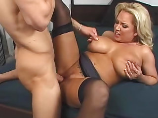 Mature Rachel Love with big ass is giving nonstop blowjob