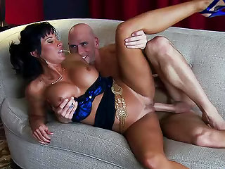 Busty expert in blowjob is showing how to do deep blowjob
