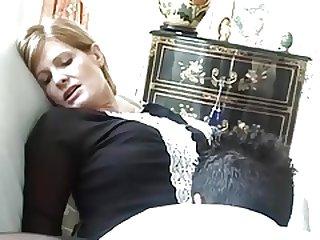 Французскую леди долбят в два ствола