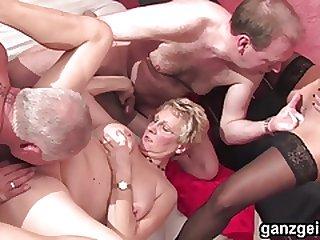 Ganzgeil.com Busty german grannies fucking
