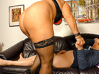 Kiki is a raunchy blonde BBW who simply loves riding on cocks