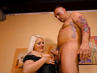 Chubby girl Jessy enjoys her new lover's prick up her hole