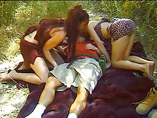Threeway on the grass with alluring Olivia Saint and Gwen Summers