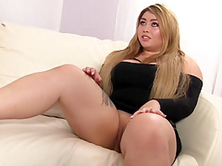 Curvy Asian Arianny Gets Pounded