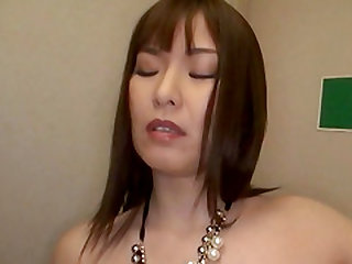 Gorgeous Shiomi Yuriko in a steamy MMF threesome worth seeing