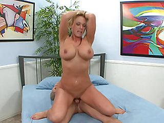 Gorgeous MILF Nikki Sexxx cannot resist a handsome man's boner