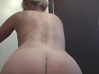 Milf gets a nice close-up of her snatch