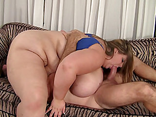 Obese beauty Mandy Majestic ravished by a horny fellow