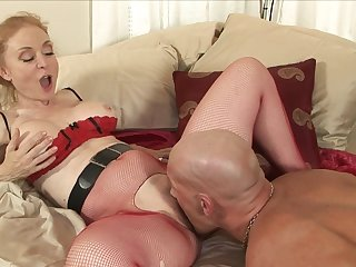 Awesome little Nina Hartley has gorgeous grinding with long-dicked Christian