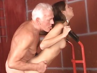 Hardcore gray man with big dick is penetrating sensual chick Rachel and cumming on her face