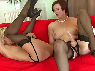 Hardcore short-haired blonde Cyprus invited her mature sister to fuck with her shaved puss