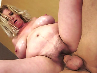 Emilie being impaled in her such a fat pussy and covered with sperm in the end