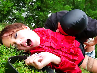 Sexy brunette Cindy Dollar is sucking dick of rubber in the public park, take a look