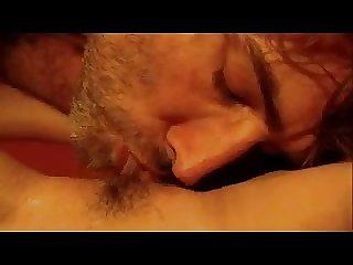 Une coquine qui aime les cunilingus