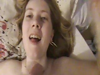Ma blonde aime les ejaculations faciale