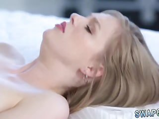 Mom catches her patron's daughter Fatherly