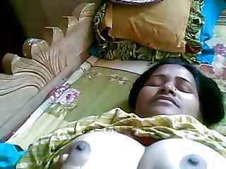 Desi Muslim Big BOOBS ammi shows Pink Pussy