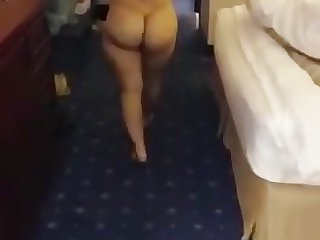 Arab naked slut with a fantastic booty