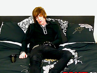 Emo dude Sean Taylor loves a little anal play in his wank
