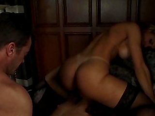 Hot ass Oilivia riding massive dick in ffm threesome